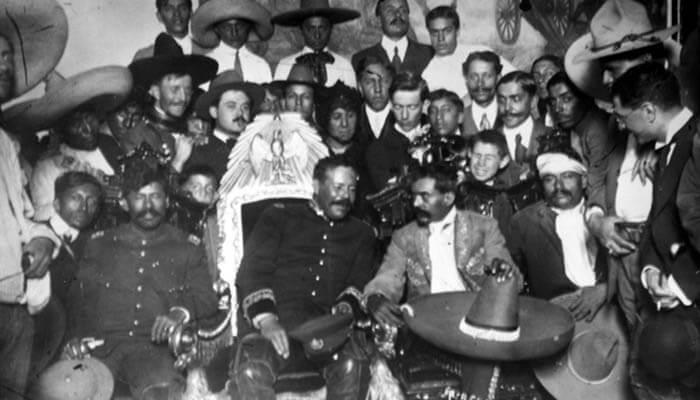 Fotografía de Francisco Villa y Emiliano Zapata.