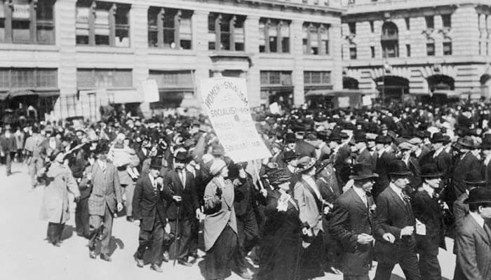Desfile socialista en Nueva York durante el año 1914