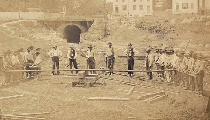 Trabajadores de la construcción del ferrocaril