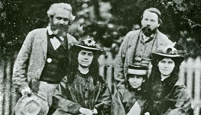 Fotografía de Karl Marx con su familia