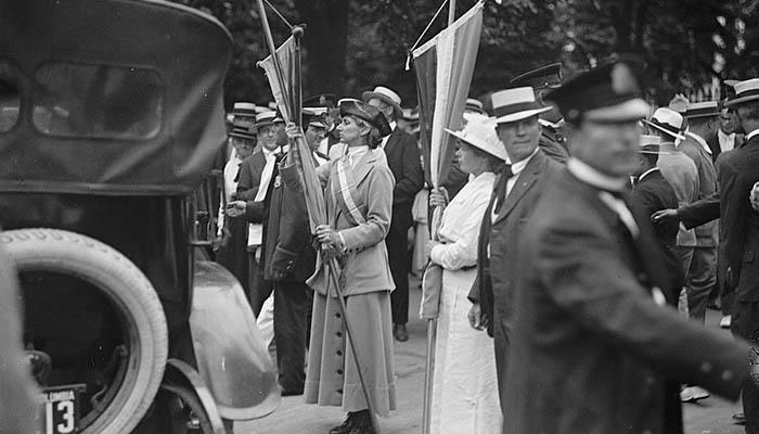 Manifestación por el sufragio femenino