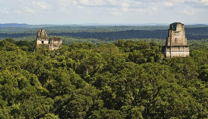 Templos mayas en Tikal