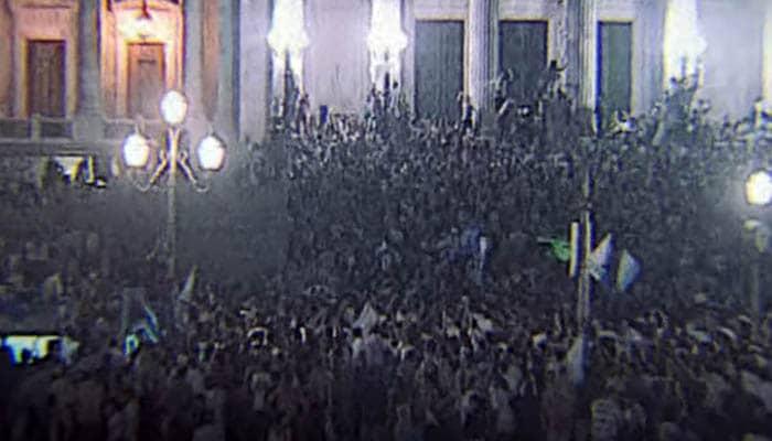 Argentinos manifestándose durante la crisis de 2001
