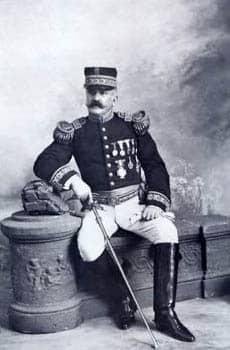 Fotografía de Roque Sáenz Peña vestido de militar