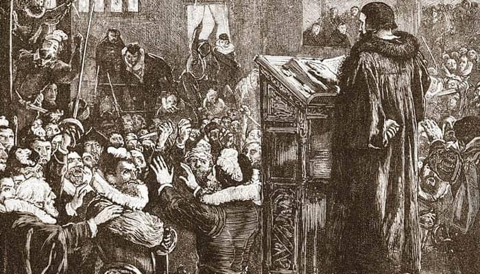 Juan Calvino recibiendo amenazas tras uno de sus sermones