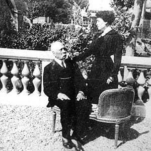 Fotografía de Porfirio Díaz y su esposa Carmen Romero Rubio durante su exilio en París