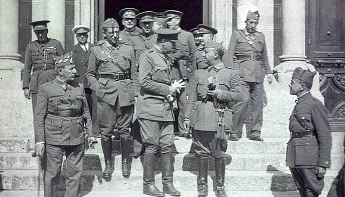 Fotografía de los militares sublevados durante la guerra civil española
