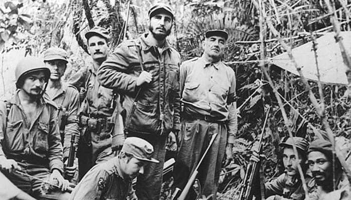 Fidel Castro y otros revolucionarios en la Sierra Madre